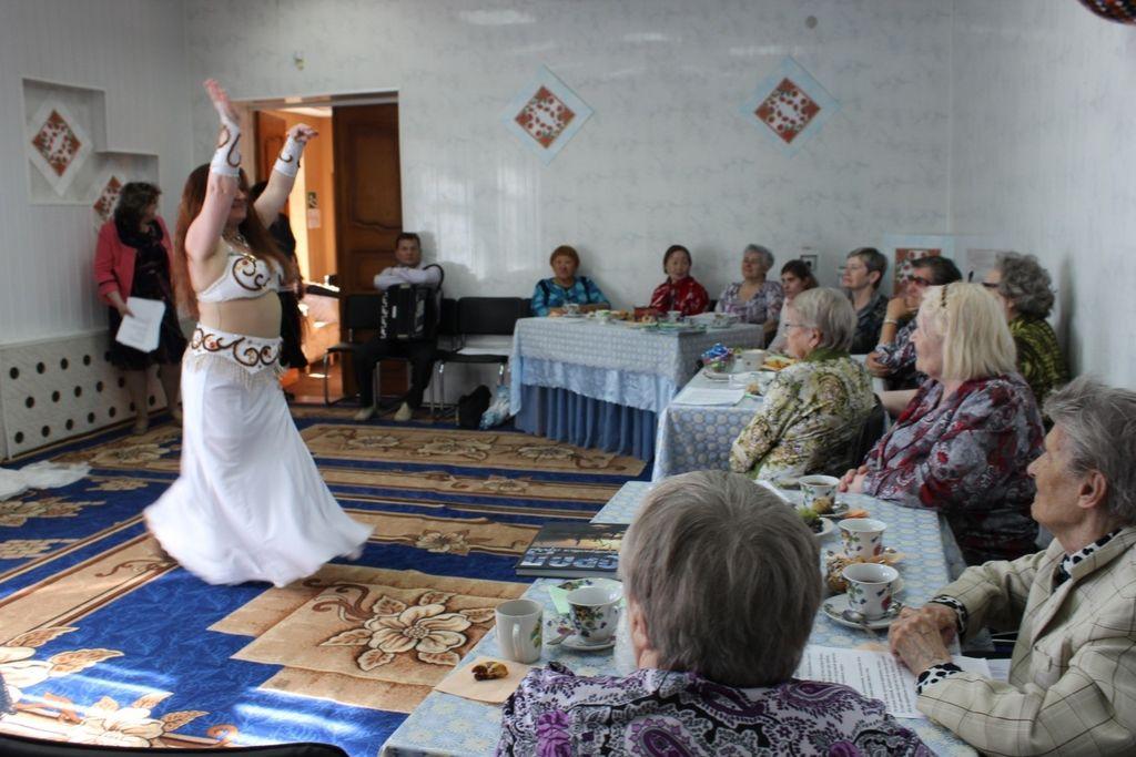 Танцовщица в белом